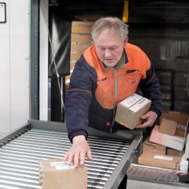 PostNL start pakketbezorging op zondag