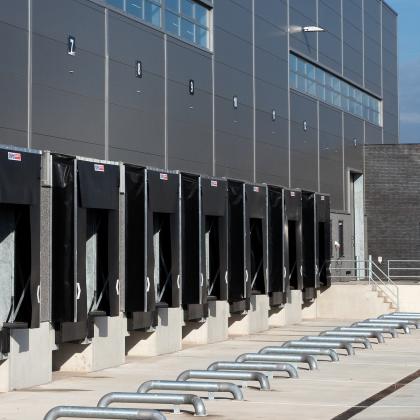 Vos Logistics Roosendaal ontvangt Breeam certificaat