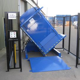 Kantelaar voor vervangen van pallets onder lading
