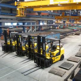 Hyundai heftrucks voor Staalplaatfabrikant