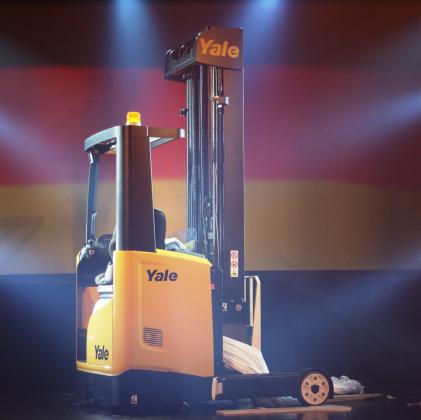 Yale lanceert MR-reachtruck in drie steden tegelijk