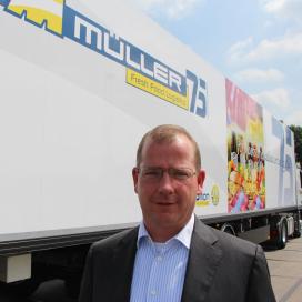 Müller gaat statushouders opleiden tot vrachtwagenchauffeur