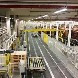 A-Ware automatiseert dc met bijzonder kranensysteem
