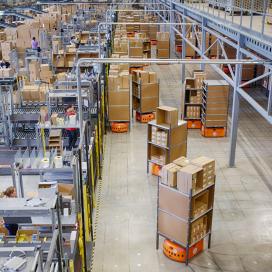 Amazon: eind dit jaar 10.000 extra robots in dc's