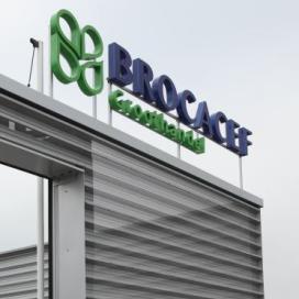 Brocacef neemt Mediq over