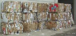 Afval persen tot balen brengt geld in het laatje