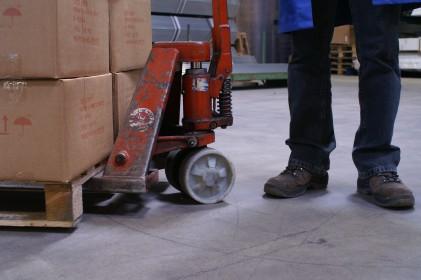 Veilige magazijnvloer: vloerreparatie goed alternatief