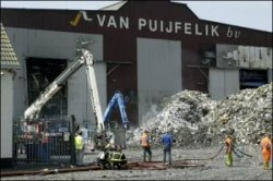 Brand verwoest heftruck papierverwerker