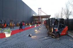MotracLinde opent hoofdkantoor met 'Roodshow