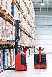 Linde onthult nieuwe efficiënte magazijntrucks