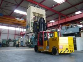 Voortman haalt 45 ton heftruck in huis