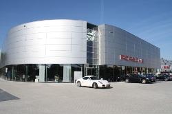 MotracLinde richt Porsche magazijn in