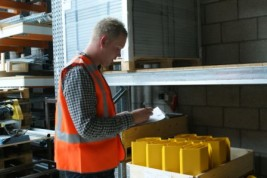 'Verplichte keuring magazijnstellingen in Nederland?