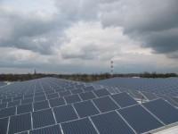 Drieduizend zonnepanelen op diepvries dc Partner Logistics