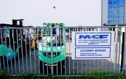 OR knokt tegen sluiting heftruckfabriek MCFE