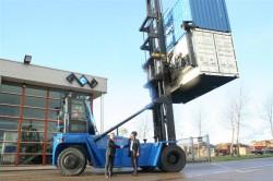 Schouten container service gebruikt empty container handler van Hyster