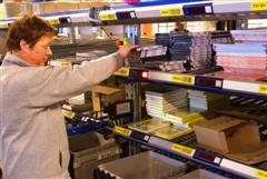 Aldipress heeft in Duiven een nieuw pick-to-light-systeem geïmplementeerd.