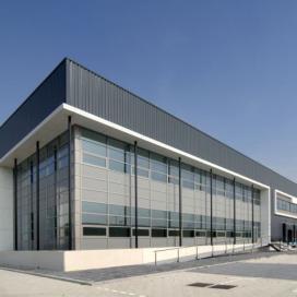 Menlo opent derde dc in Amsterdam voor hightech klant