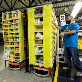 Amazon toont Kiva-robots op 'Black Friday