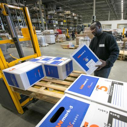 'Groothandel voelt concurrentie logistiek dienstverlener