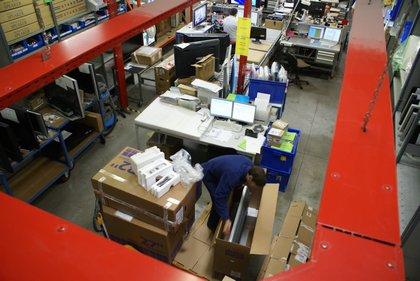 Attachment 004 logistiek image logdos100979i04
