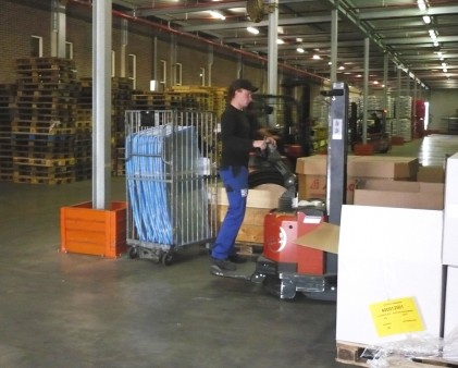 Attachment 006 logistiek image logref100693i06