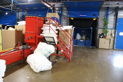 Attachment 007 logistiek image logref100507i07