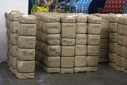 Attachment 009 logistiek image logref100441i09