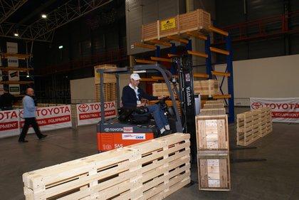Attachment 013 logistiek image logdos100772i13