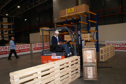 Attachment 013 logistiek image logdos100772i13