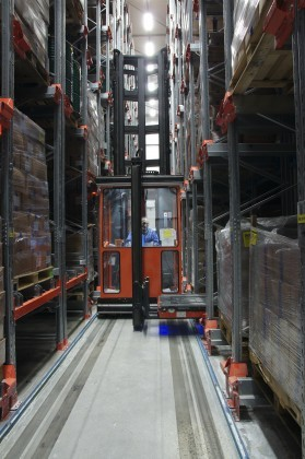 Attachment 013 logistiek image logref100831i13 279x420