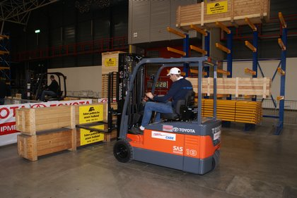 Attachment 014 logistiek image logdos100772i14