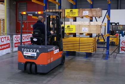 Attachment 017 logistiek image logdos100791i17
