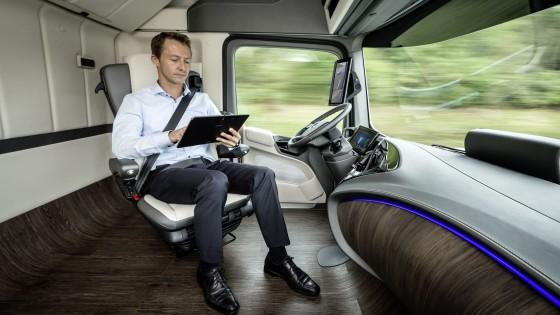 Autonoom rijden in wegtransport wordt gemeengoed