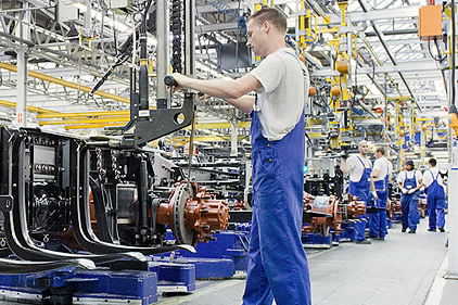 DAF schroeft productie opnieuw terug