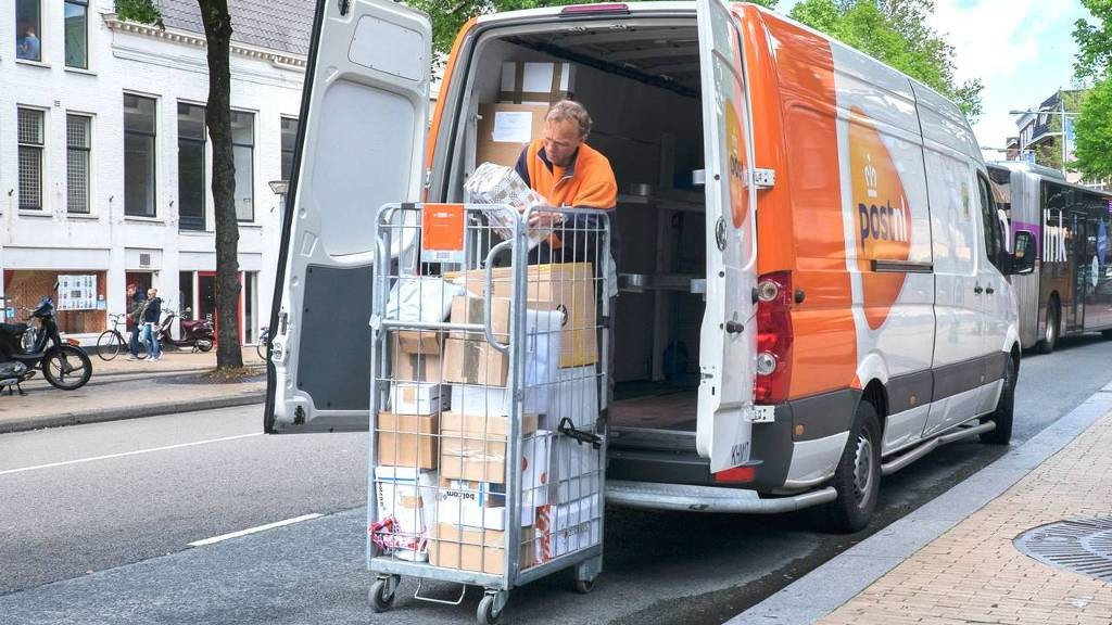 Consumentenbond: 'Pakketbezorging PostNL ver onder de maat'