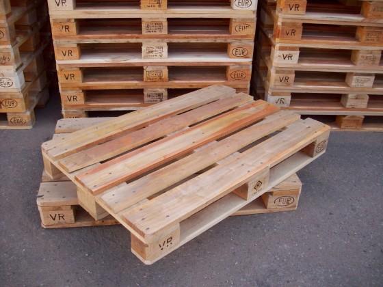 Douane neemt duizend illegale pallets in beslag