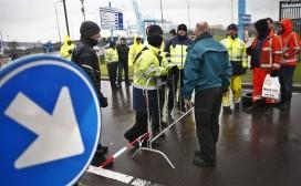 Havenwerkers Rotterdam beginnen 24-uursstaking