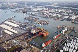 Havenmedewerkers Rotterdam krijgen baangarantie tot 2020