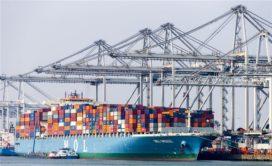 Trage containeroverslag zit verladers dwars