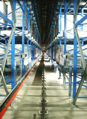Palletkraan in bedrijf 308x420