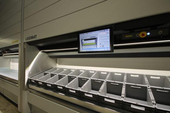 Quantiparts installeert 14 meter hoge plateauliften