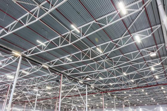 LED verlichting is nieuwe standaard in distributiecentrum - Logistiek