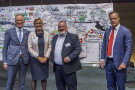 Bouwsector zet handtekening onder Green Deal bouwlogistiek