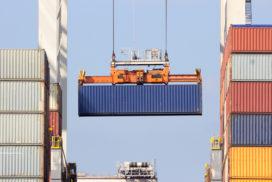 Containers stuwen overslag Rotterdamse haven naar record