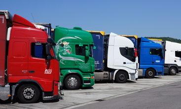 Weekend overnachten in vrachtwagen verboden