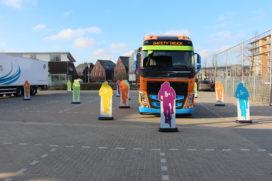 Volvo Trucks geeft basisschoolkinderen les over dode hoek