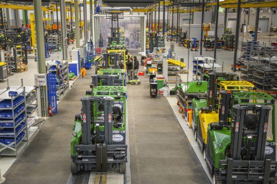 Iers Combilift verdubbelt productiecapaciteit in nieuwe fabriek (video)