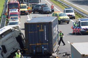 Vrachtwagens sporadisch schuldig aan files