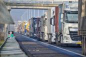 Vrachtwagens moeten schoner: dit heeft Europa definitief besloten